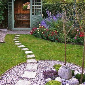 100 Garden Pathway Ideas and Inspiration - Easy Balcony Gardening #gardenpaths #gardenpathways #gardeninspiration #gardenideas
